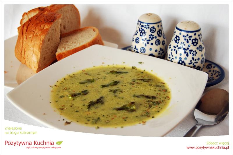 Zupa szparagowa z migdałami