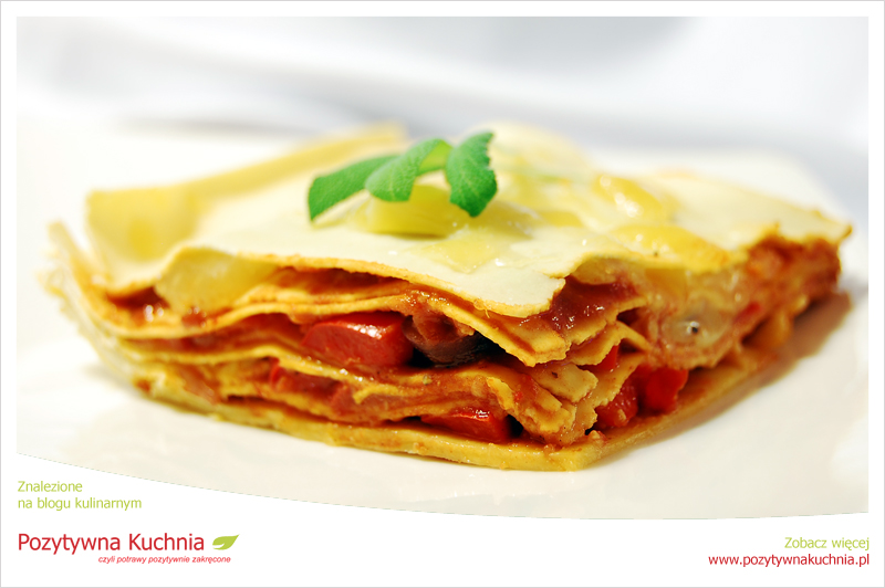Lasagne z sosem pomidorowym i fasolą