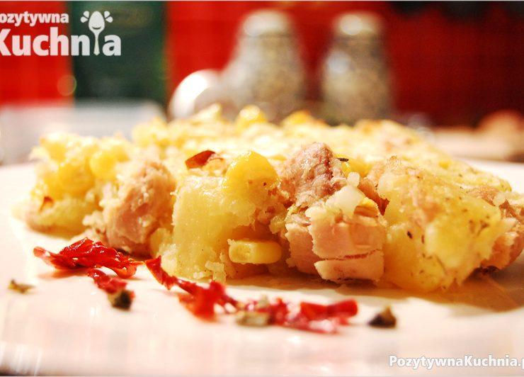 Placek z ziemniaków z tuńczykiem