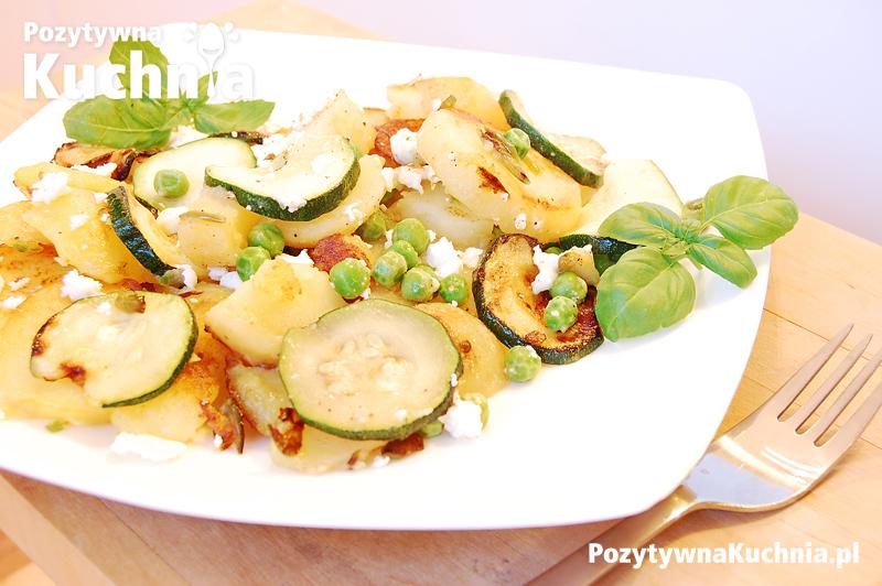 Smażone ziemniaki z cukinią i groszkiem