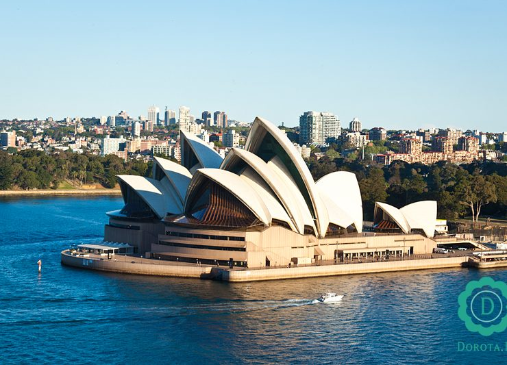 Opera w Sydney - widok z mostu Harbour Bridge
