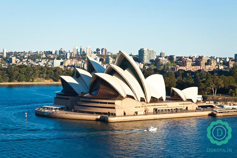 Opera w Sydney - widok z mostu Harbour Bridge
