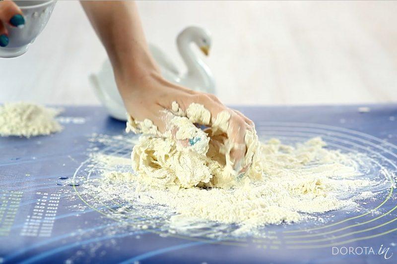 Klasyczne ciasto na pierogi - krok 3