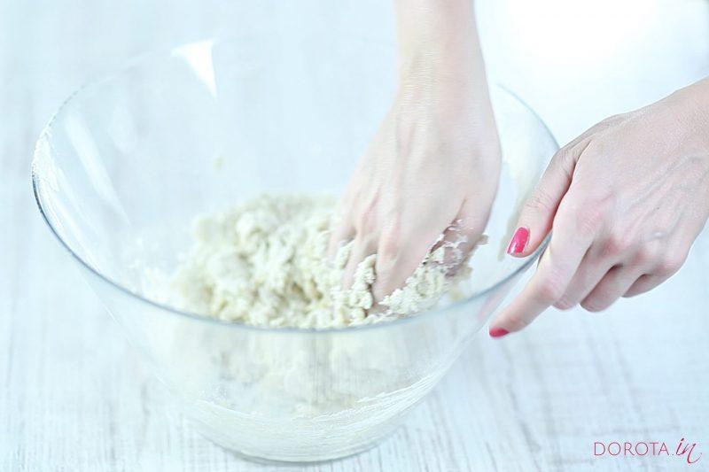 Maślankowe ciasto na pierogi - krok 3