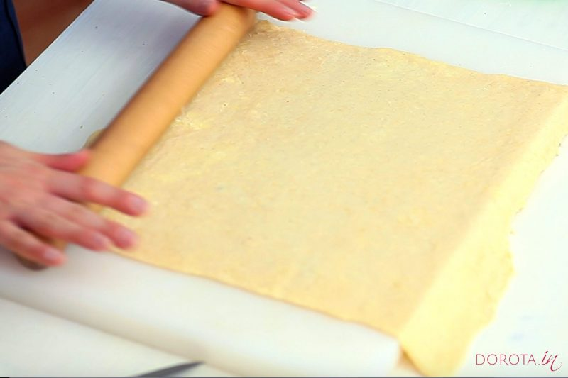 Ciasto półfrancuskie drożdżowe - przepis - krok 13