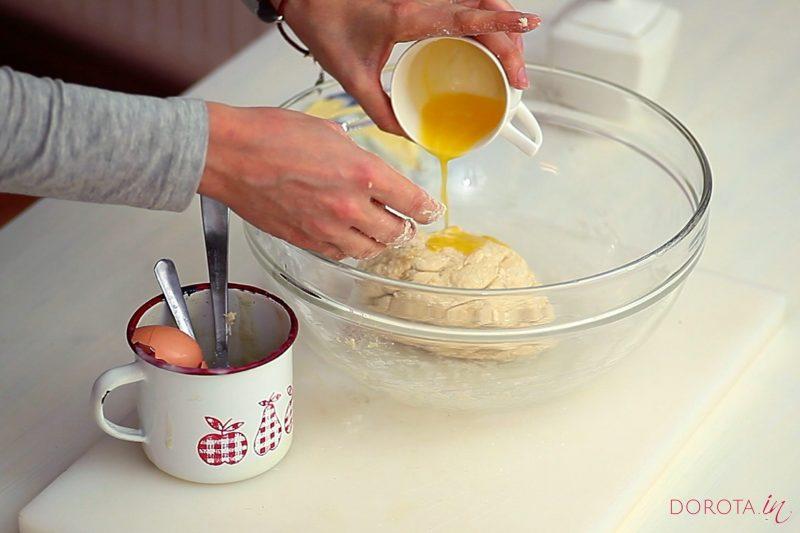 Ciasto półfrancuskie drożdżowe - przepis - krok 4