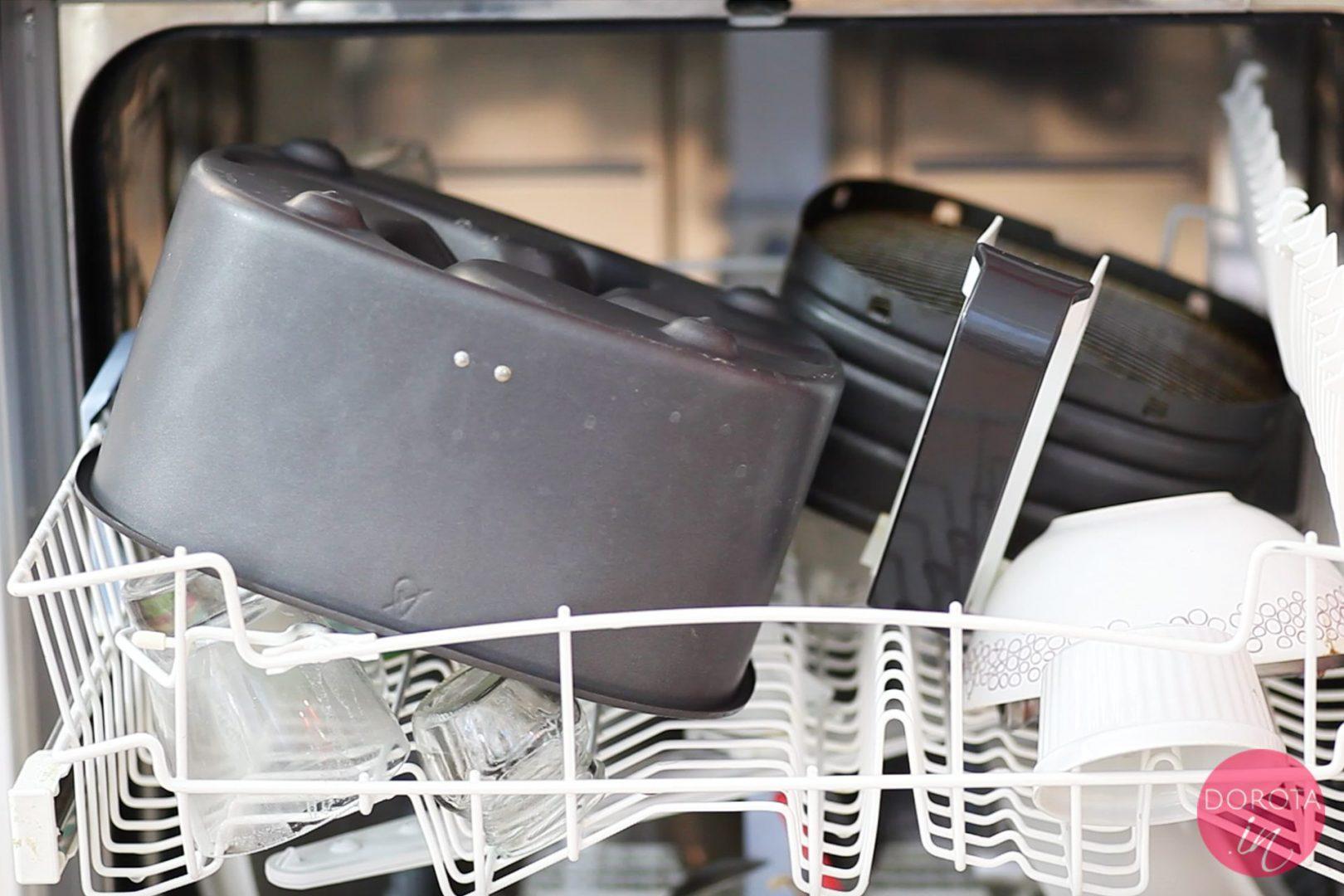Wnętrze szuflady i kosz można myć w zmywarce