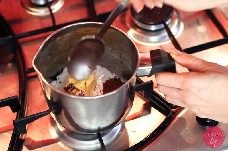 Polewa czekoladowa - przepis - krok 1