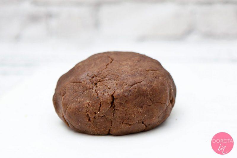 Kruche ciasto czekoladowe
