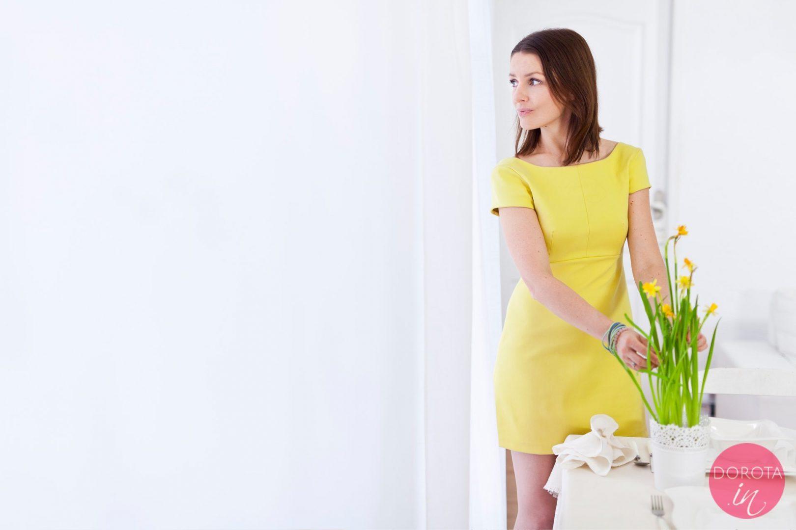 Zielona sukienka i pastelowe dodatki - stylizacja na Wielkanoc