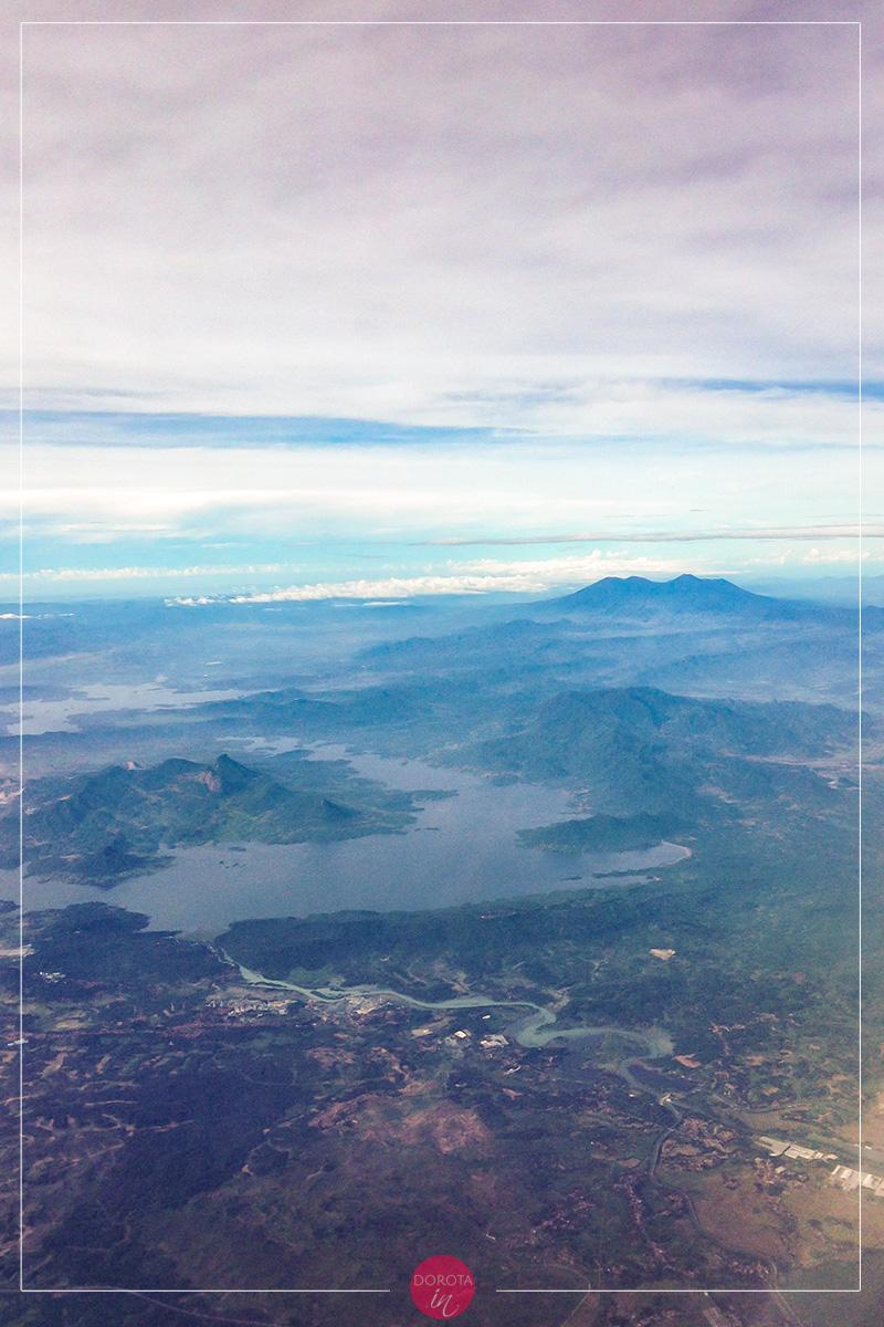Jawa - widok z samolotu do Surabaya