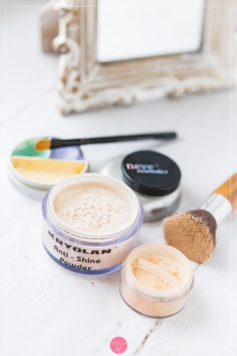 Kosmetyczka minimalna - makijaż twarzy