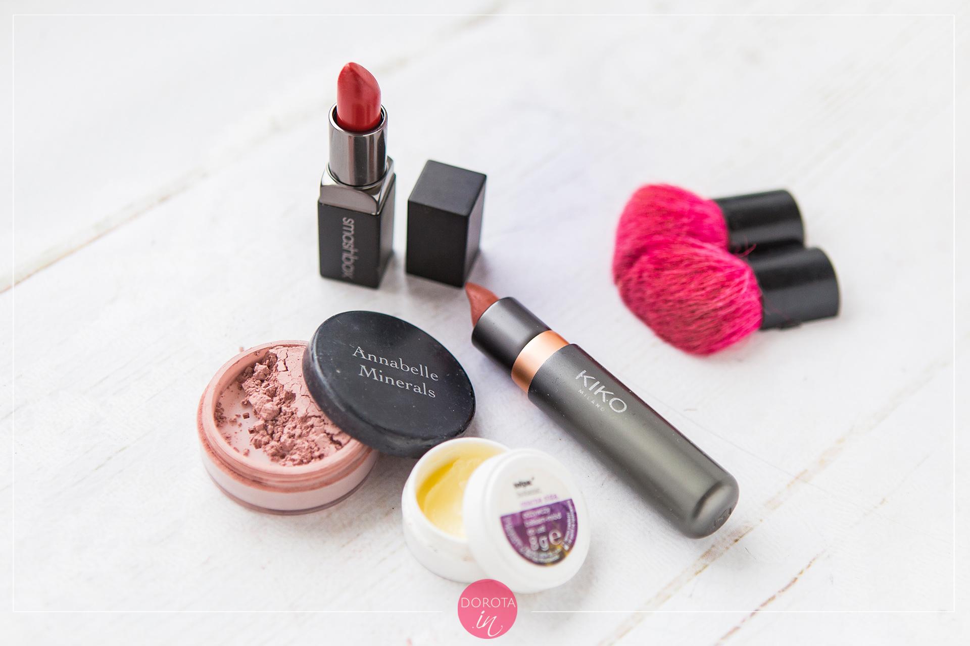 Kosmetyczka minimalna - makijaż ust i policzków