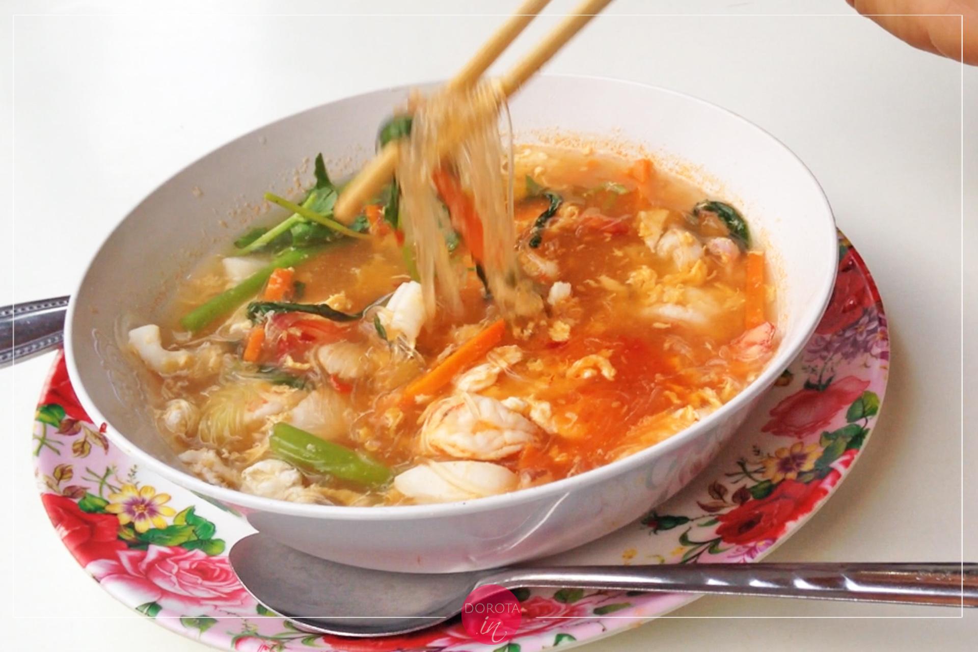 Suryaki z krewetkami i makaronem