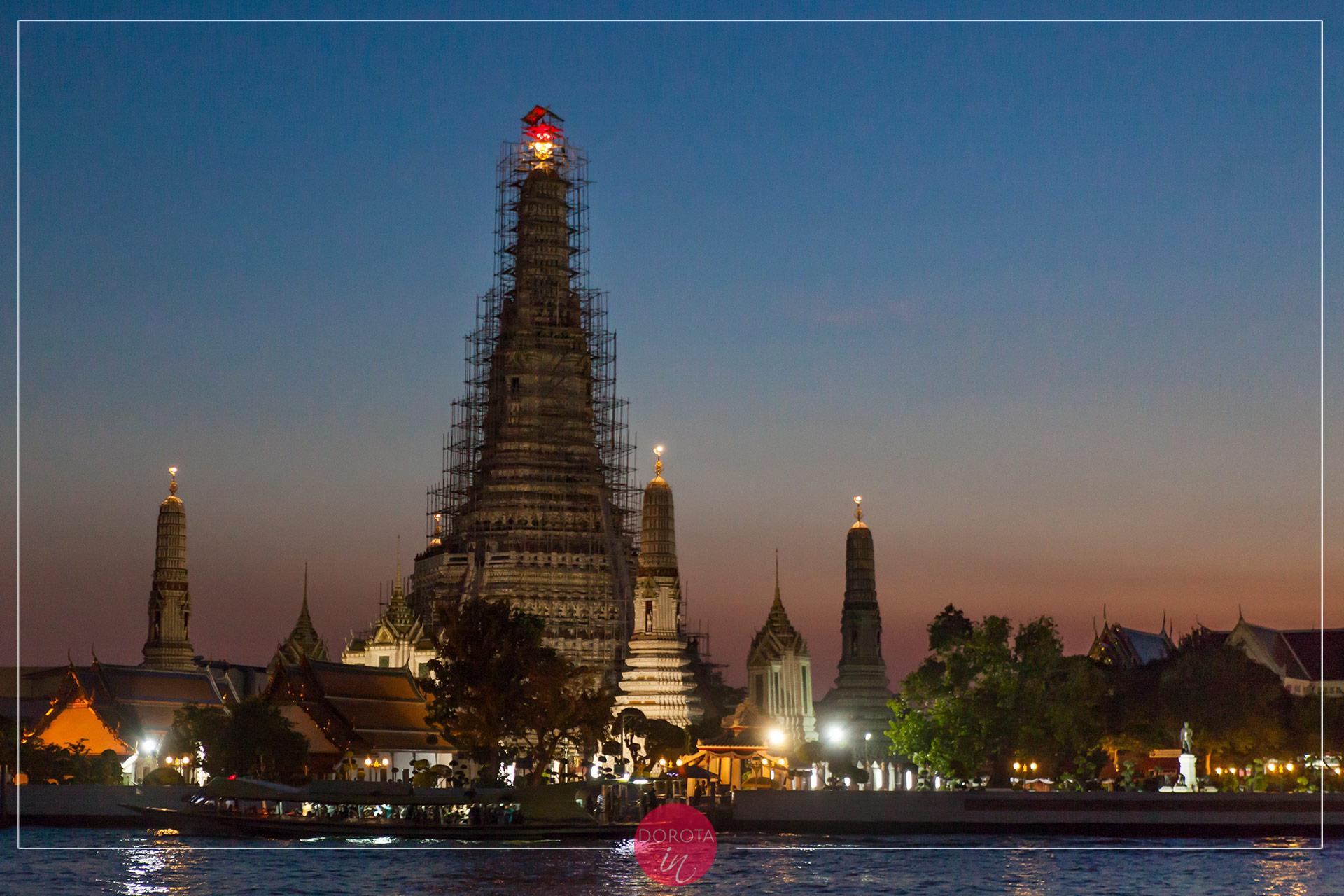 Temple of Dawn nocą