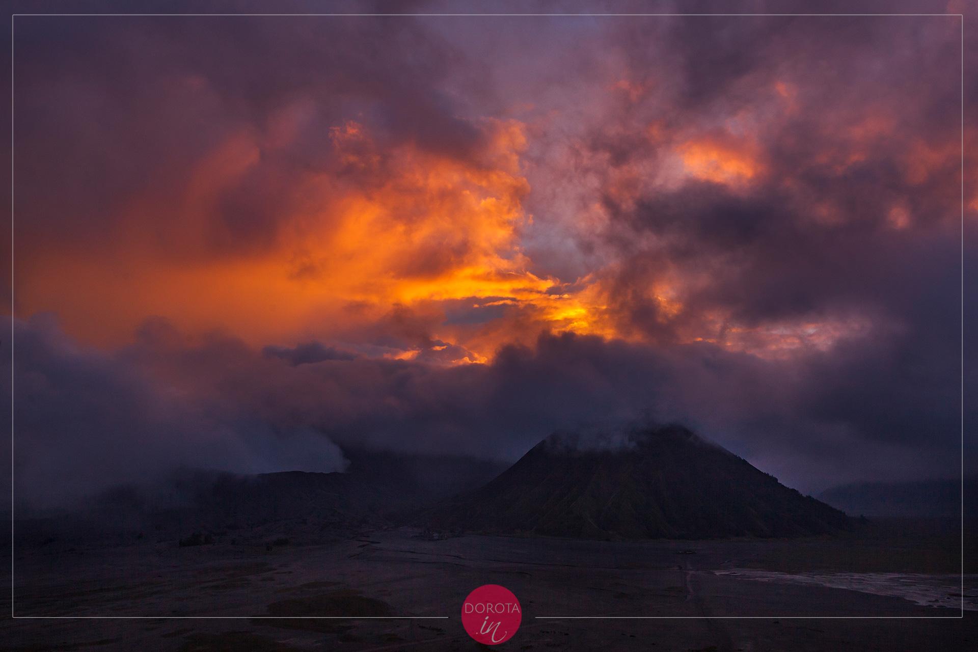 Bromo o zachodzie słońca
