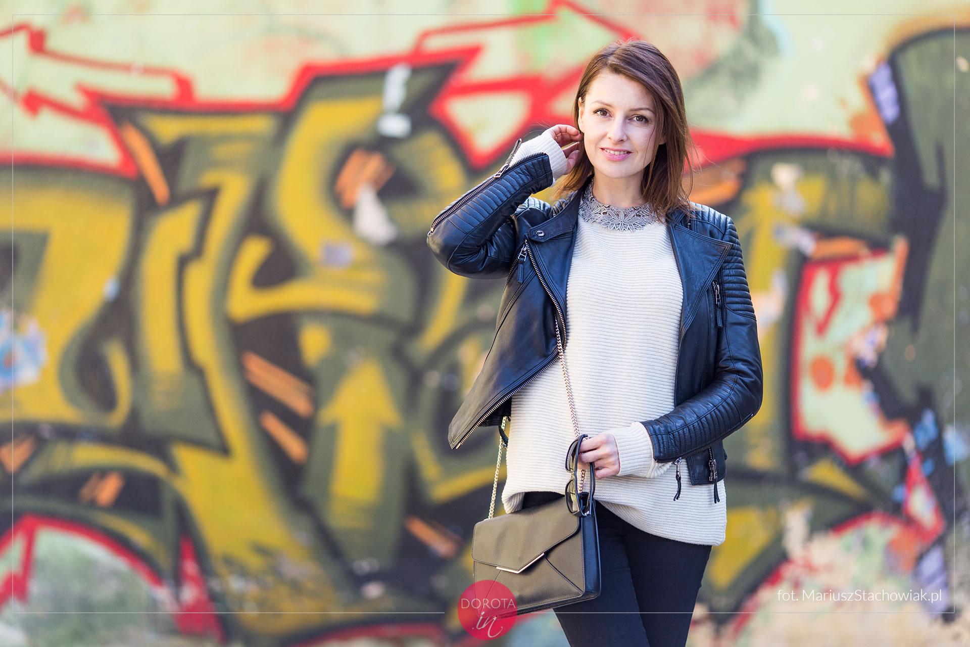 Sweter oversize - stylizacja z ramoneską
