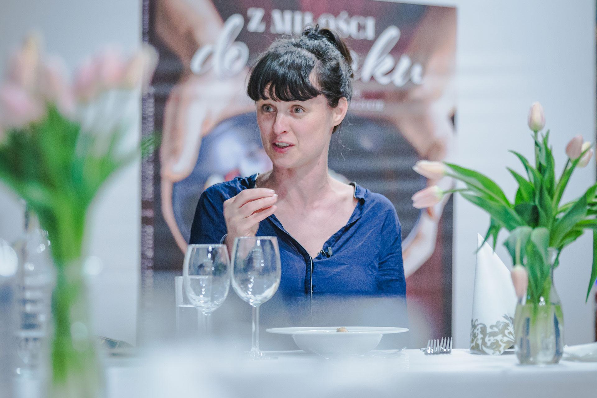 """Joanna Drzazga - współautorka książki Carrefour """"Z miłości do smaku"""""""