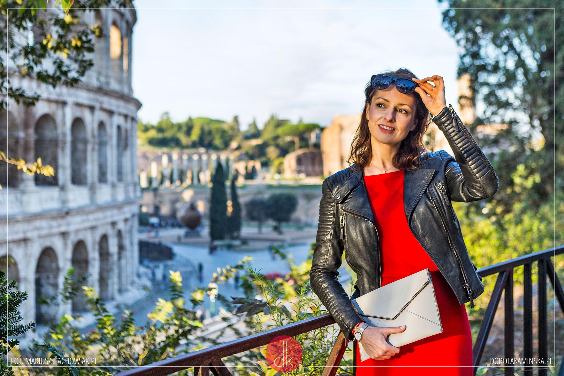 5f514b74c8 Czerwona sukienka - stylizacja z Rzymu